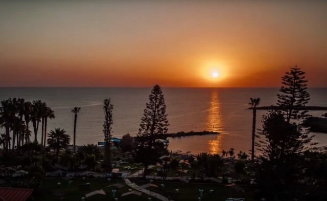 из Питера на Кипр