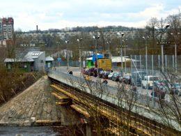 Пограничный переход между российским Иван-городом и эстонской Нарвой