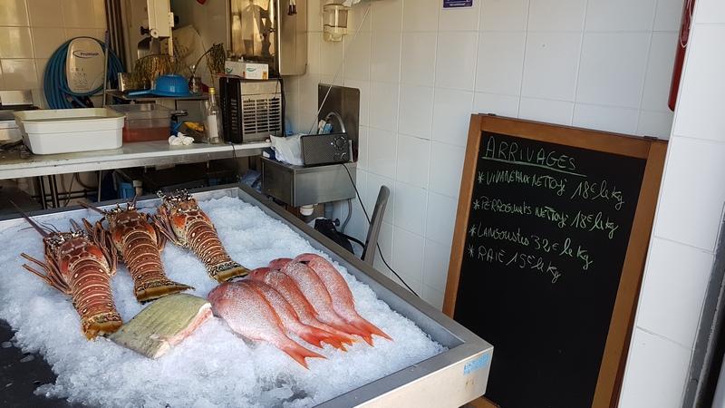цены на морепродукты на рынке Мартиники
